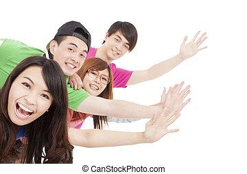 heureux, mains, groupe, haut, jeune