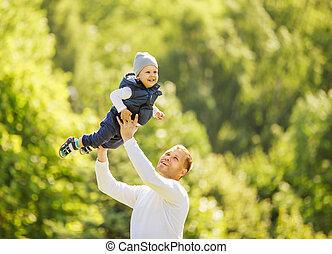 heureux, père fils, sur, a, promenade