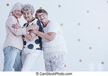 heureux, personne agee, apprécier, réunion, femmes