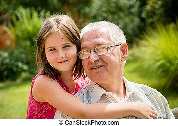 heureux, petit-enfant, grand-père