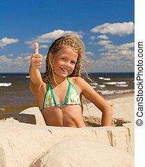 heureux, petite fille, près, les, mer