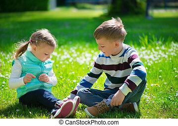 heureux, soeur, jouer, petit frère