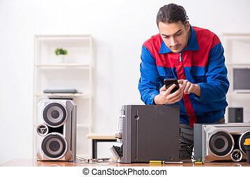 hi-fi, musicale, riparare, giovane, ingegnere, sistema