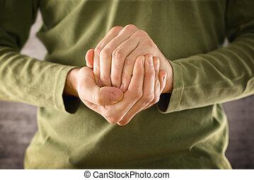 hidding, homem, algo, mãos