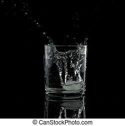 hideg ivóvíz, pohár, loccsanás, esés, köb