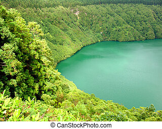 lake - hiden lake of sao goncalo in azores