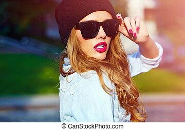 High fashion look.glamor lifestyle - High fashion...