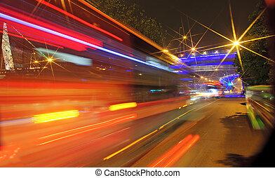 high-speed, køretøjene, slør, trails, på, urban, veje