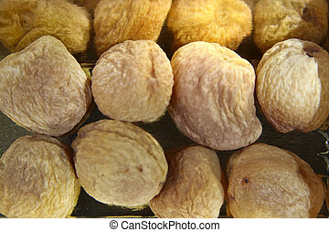 Highly Nutritious Apricots - Dried apricots are rich source...