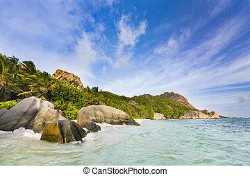 highwater, lagune, seychelles, digue, la