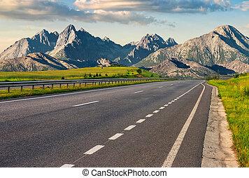 highway to the tatra mountain ridge - Travel destination...