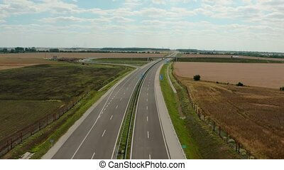 Highway with traffic - Highway with no traffic before ...