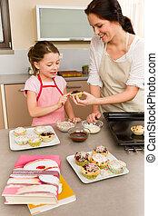 hija, decorar, cupcakes, asperja, madre