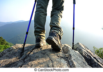 hiker, montanha, mulher, jovem, pernas