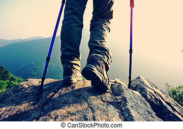 hiker, pernas, mulher, jovem, amanhecer