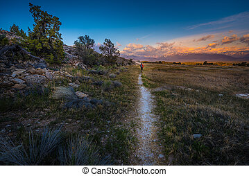 Hiking to Travertine Hot Springs Bridgeport CA - Hiker on ...
