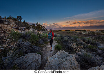 Hiking to Travertine Hot Springs Bridgeport CA
