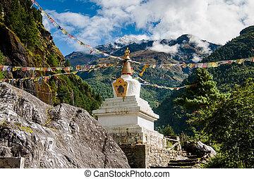 himalayas, buddhism:, stupe, vlaggen, gebed, chorten, of