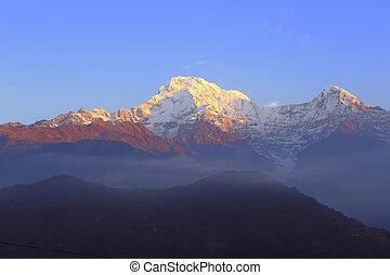 Himalayas. Nepal - Sunrise in mountains. Annapurna Himalaya ...