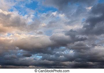 himmelsgewölbe, stürmisch