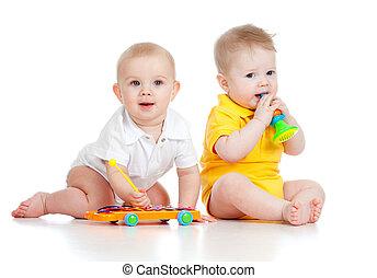hintergrund, lustiges, toys., freigestellt, weißes, musikalisches, junge, baby