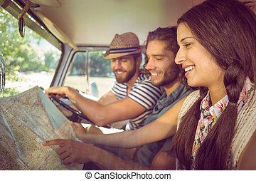 hipster, amici, su, viaggio strada