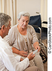 his, врач, giving, пациент, pills
