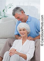his, плечо, жена, giving, человек, массаж
