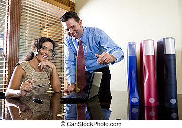 hispánský, administrativní úředník, pracovní, s, mužský, kolega