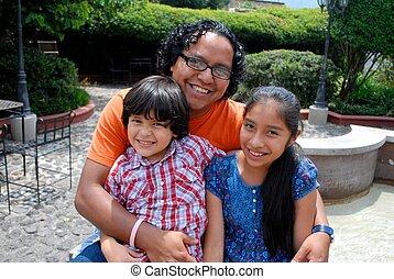 hispânico, pai, com, dois, crianças