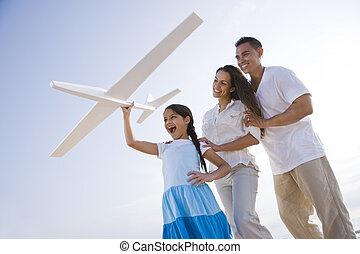 hispanic한 가족, 와..., 소녀, 재미를 있는, 와, 장난감 비행기