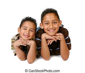 hispano, sonriente, 2, joven, hermanos