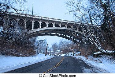 histórico, arqueado, ponte