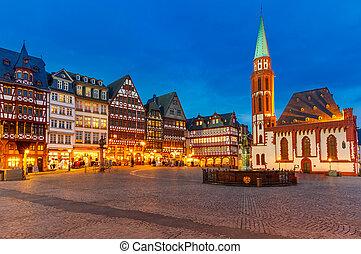 histórico, centro, de, frankfurt, à noite