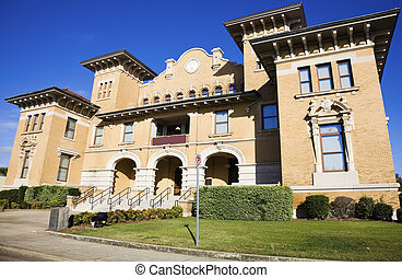 Historic building in Pensacola - Historic building in...