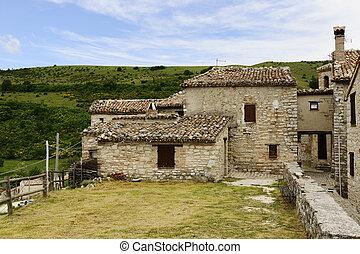 Historic houses Elcito