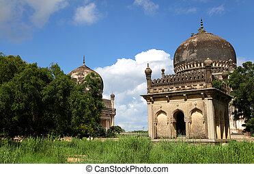 Qutbshahi tombs