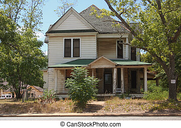 Historic Victorian Home in Rural Eastern Texas