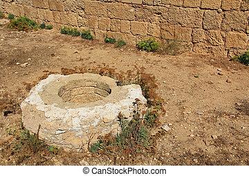 Historical Well in Caesarea Maritim - Well Ruins in Caesarea...
