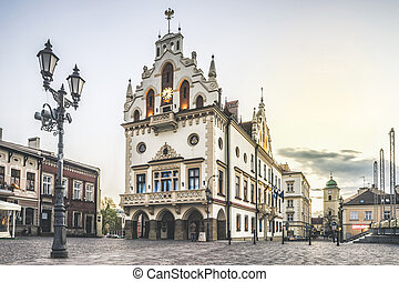 historisk, stadshus, in, den, centrera, av, rzeszow, polen