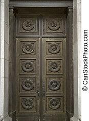historyczna budowa, brąz drzwi
