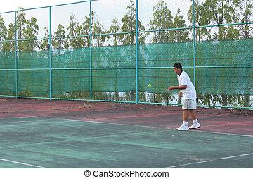 Hitting the tennis