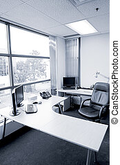 hivatal asztal