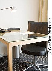 hivatal asztal tanszék