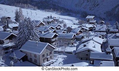 hiver, alpes, aérien, confortable, couvert, montagnes, maison, blanc, petite maison, jour, village, neige, merveilleux, ensoleillé, villa, peu