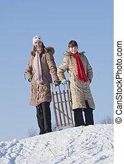 hiver, deux, temps, soeurs, sledding, heureux