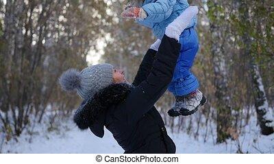hiver, haut, jouer, park., maman, mère, bébé, jets, gosse