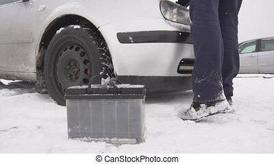 hiver, lent, installs, neiger, il, mouvement, batterie, voiture, nouvel homme