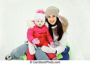 hiver, séance, mère, traîneau, ensemble, enfant, jour, heureux