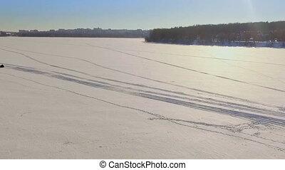 hiver, surgelé, sur, lac, glace, motoneige, fun., voyage